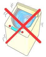 洗濯機で回して洗ってはいけません。